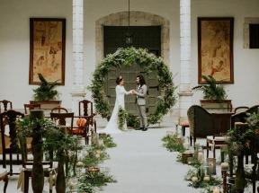 Tendencia-de-decoracao-de-casamento-2018-arcos-com-formato-de-guilanda